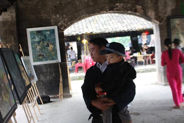 Triển lãm tranh sơn dầu tại phố cổ Đồng Văn